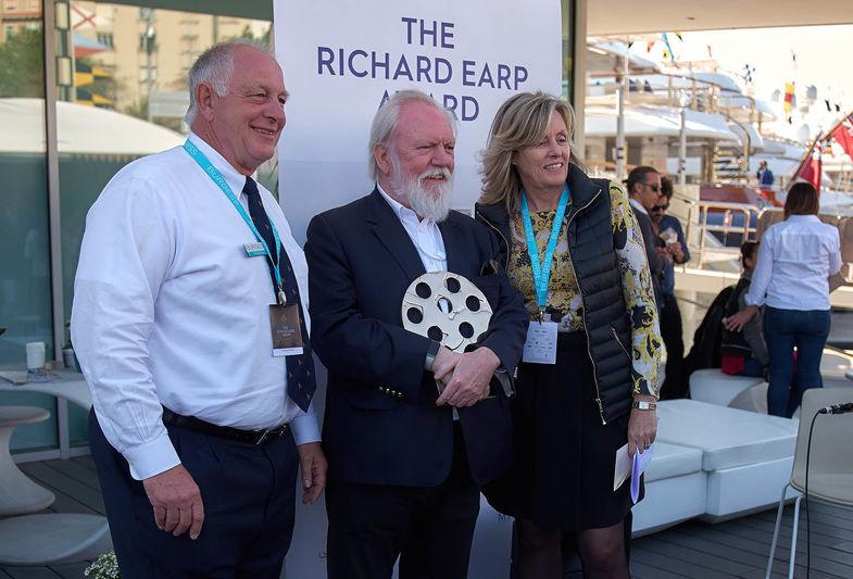 Peter Insull wins Richard Earp award