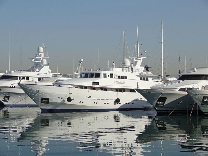Tyndareo in Flisvos Marina