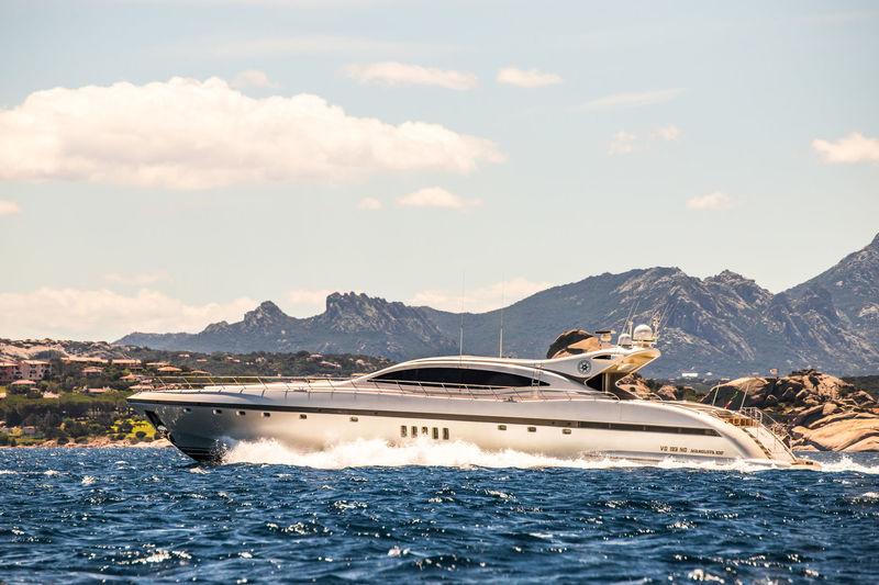 Ares cruising in Sardinia