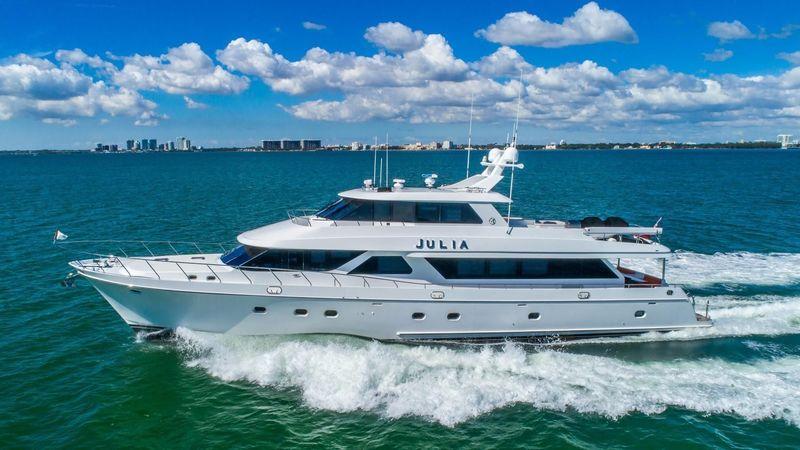 JULIA yacht Ocean Alexander