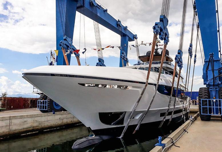 Mangusta Oceano 42/03 Launch