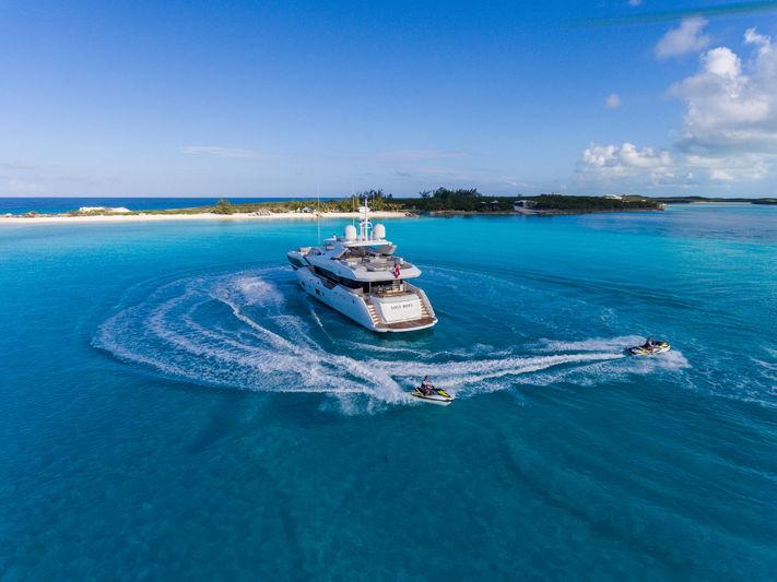 Sunseeker 116 Lost Boys in the Bahamas