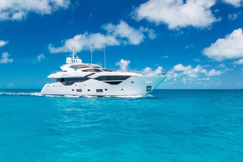LOST BOYS yacht Sunseeker