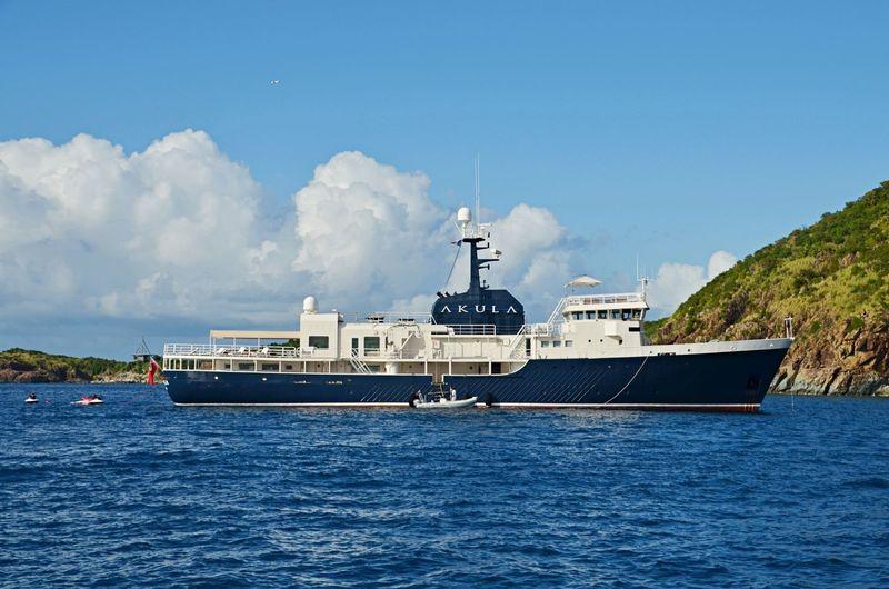 Akula in the Caribbean