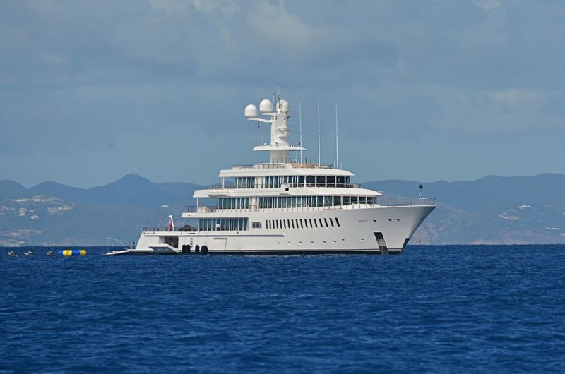 FOUNTAINHEAD yacht Feadship