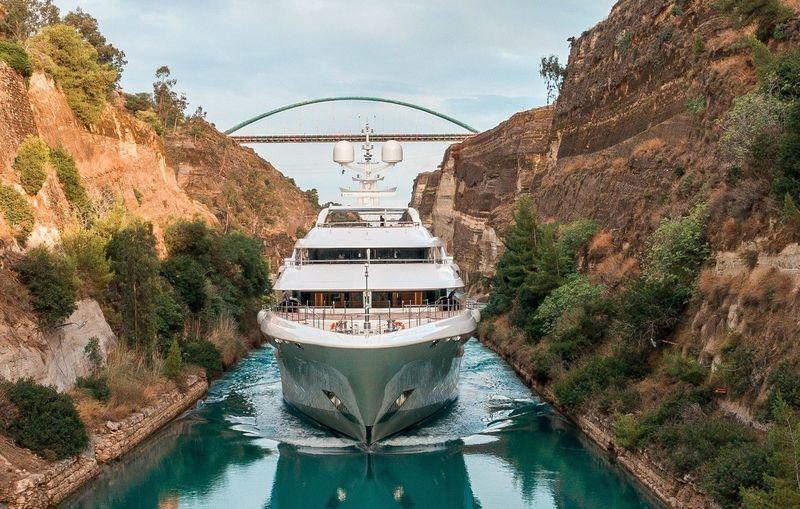 O'Ptasia cruising through the Corinth Canal