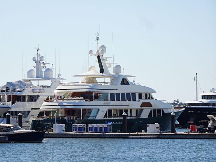 SHADOWL yacht Burger Boat Company