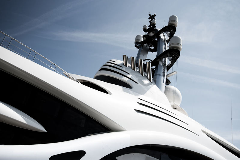 Feadship 1007 on transport