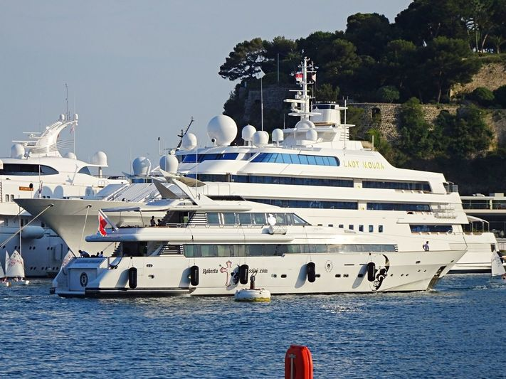 Indigo Star arriving in Monaco