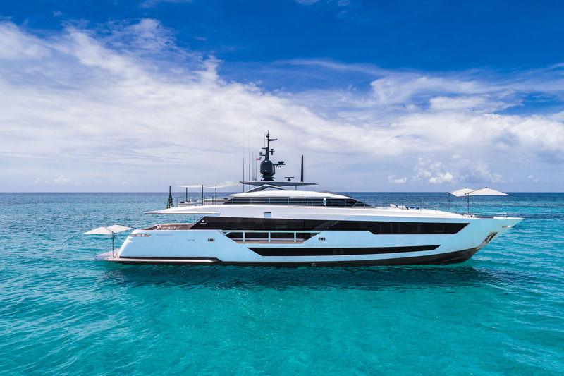 Vista Blue anchored