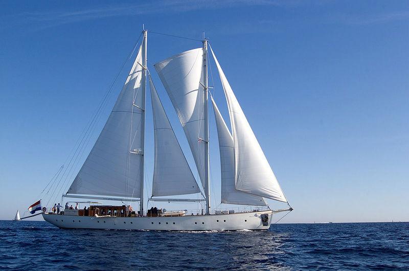 Kairos under sail
