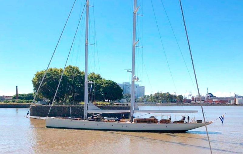 Dona Francisca sailing yacht