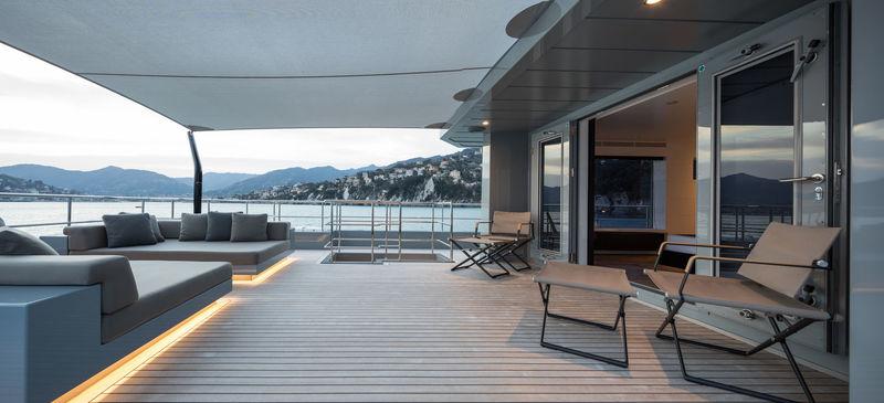 Cyclone deck