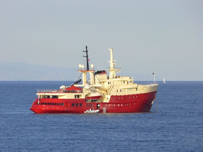 Giant I in Antibes