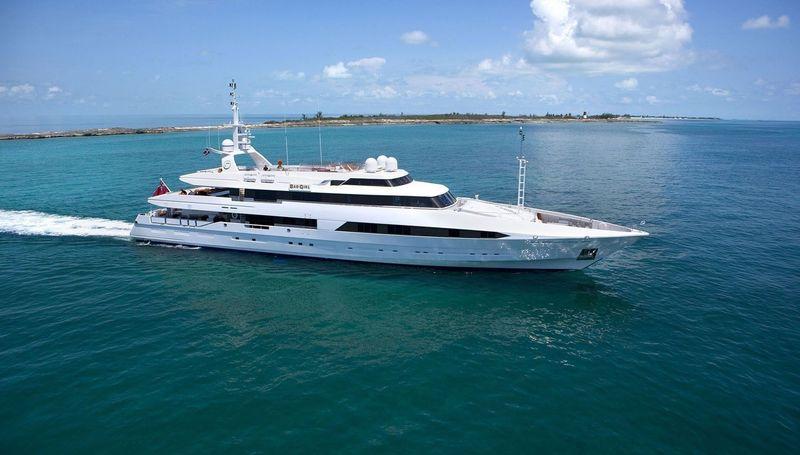 BAD GIRL yacht Brooke Marine