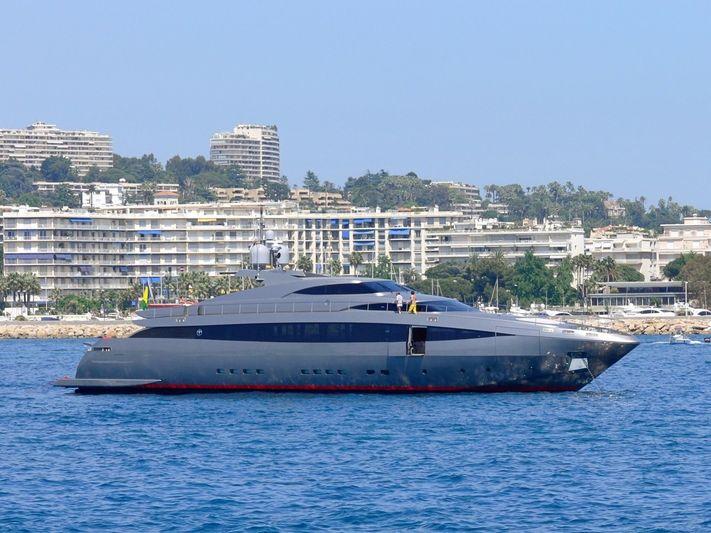 Nina J in Cannes