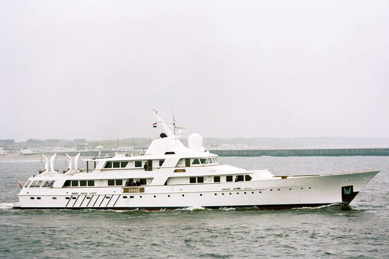 ABU AL ABYAD yacht Feadship