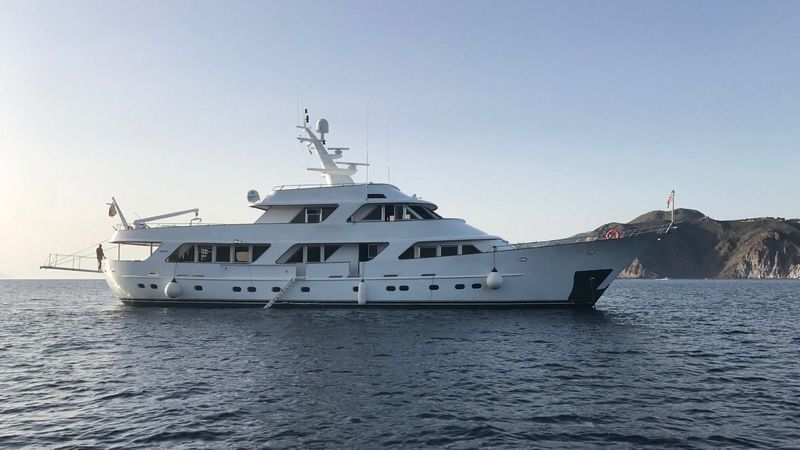 TO JE TO yacht Benetti
