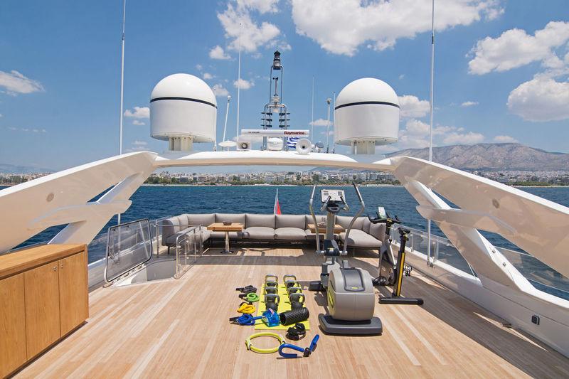 Whisper V deck
