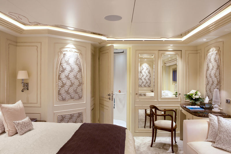 Latona VIP cabin