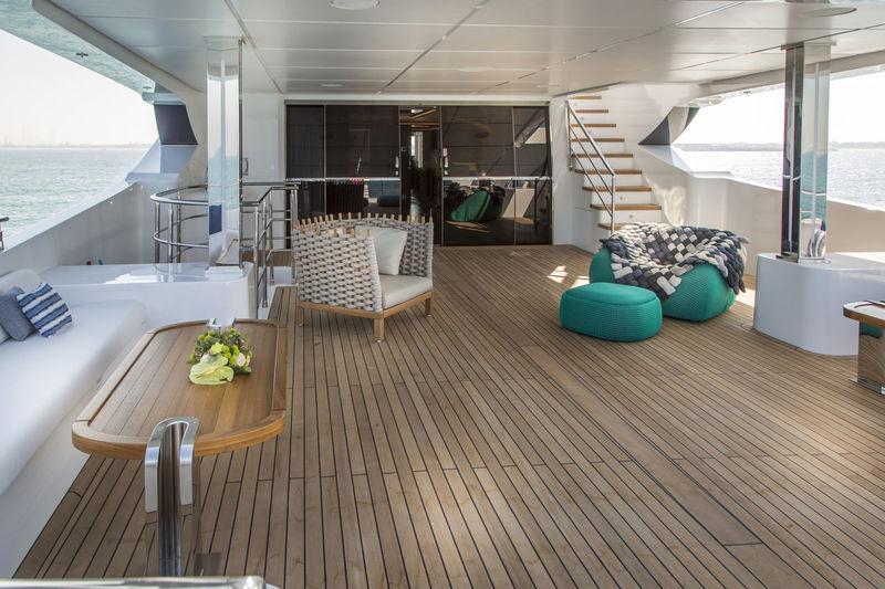 C'est La Vie deck
