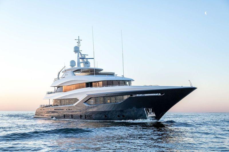 VIATORIS yacht Conrad