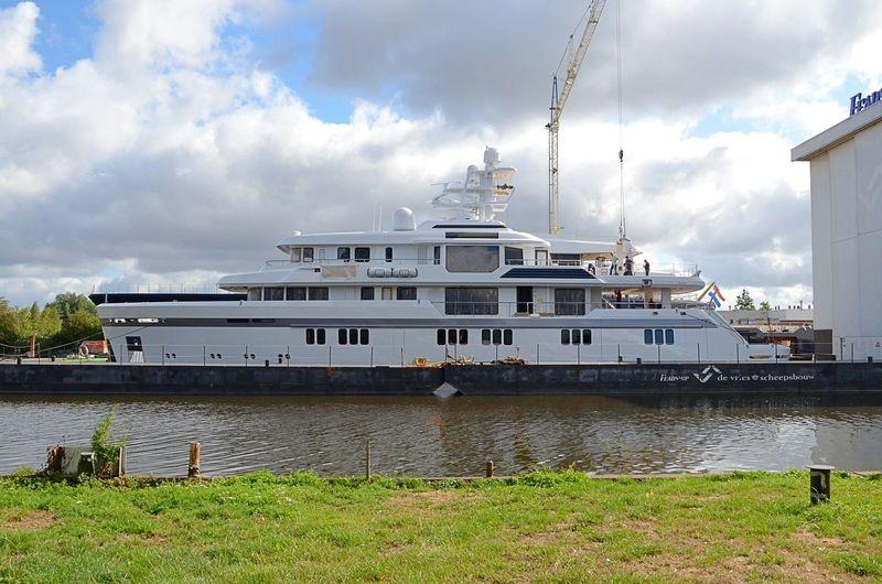 Feadship De Vries 701 launched in Aalsmeer