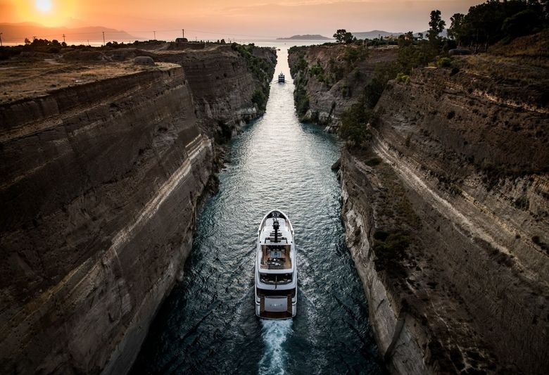 Baglietto superyacht Unicorn passing through Corinth Canal