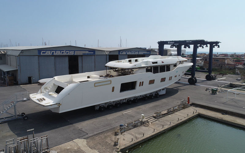Canados Oceanic 140 under construction at shipyard
