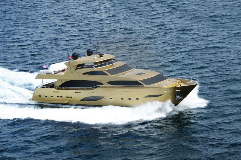 Y  yacht Mengi Yay Yachts
