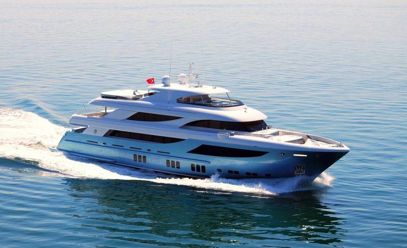 AZRA yacht Mengi-Yay