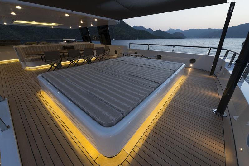 Aquarius deck