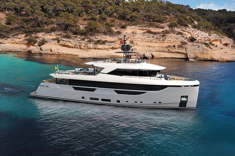 EZGY yacht Blaundus Yachts