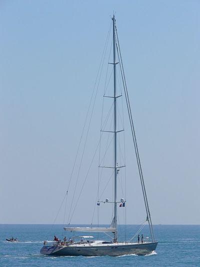 Y II leaving Antibes