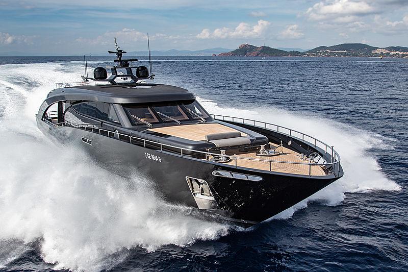 Cerri Yachts Freedom running