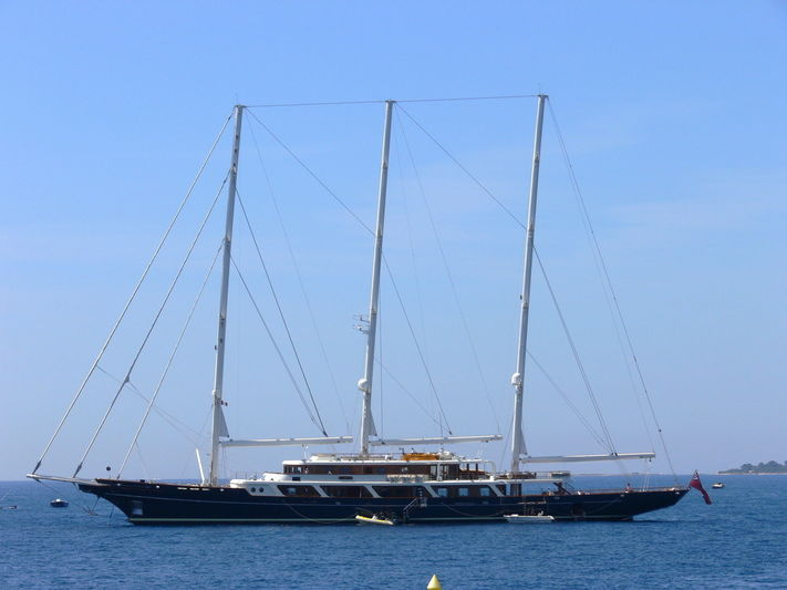 EOS anchored off the Cap d'Antibes