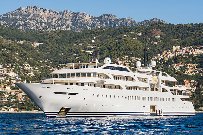 Dream anchored in Monaco