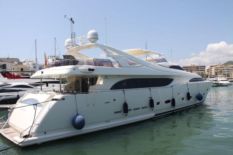 CAMARIK yacht Custom Line