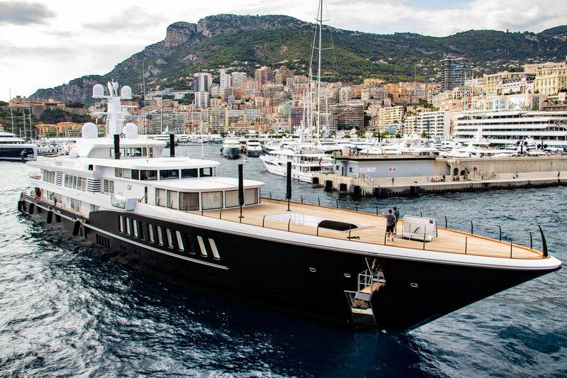 Air arriving in Monaco