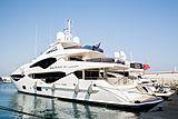 Living The Dream  Yacht 40.05m