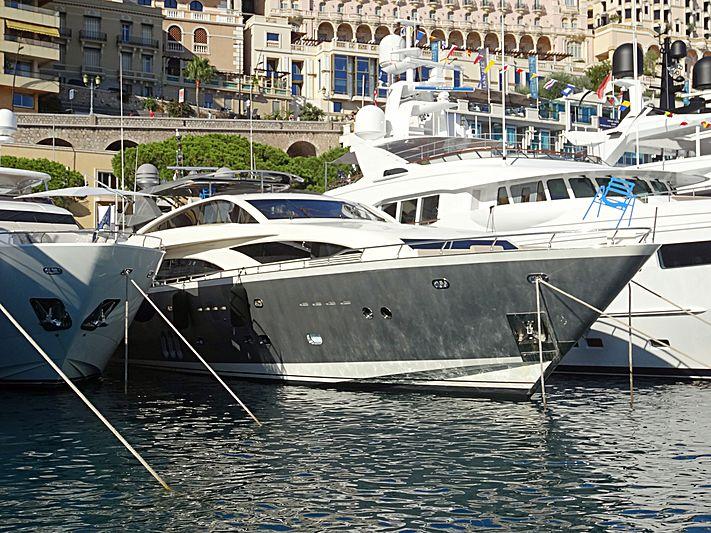 APMONIA yacht Couach