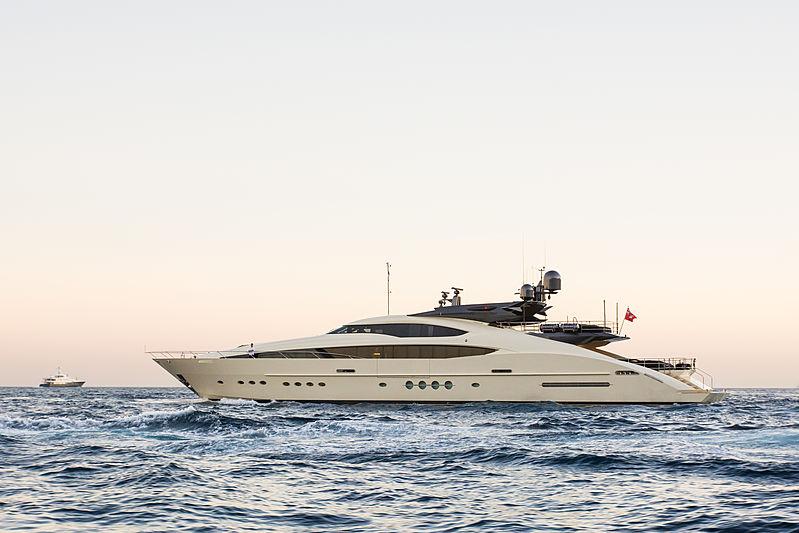Vantage leaving the 2018 Monaco Yacht Show