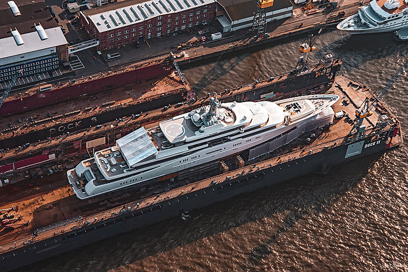 Superyacht Eclipse in Hamburg