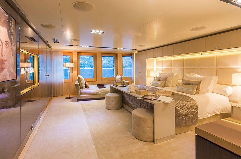 Icon Yacht - master cabin