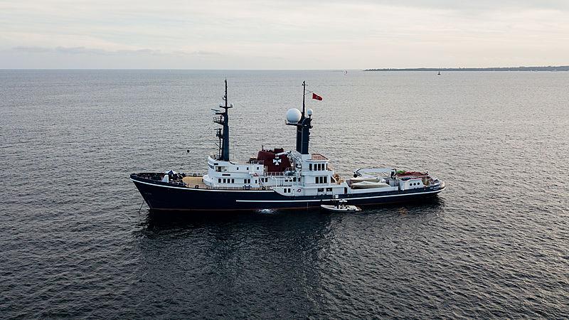 Sea Ranger anchored off Juan-les-Pins