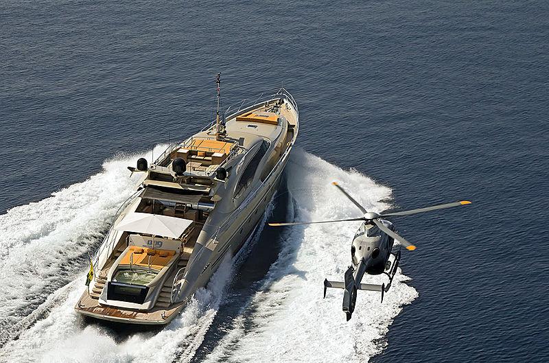 DB9 cruising