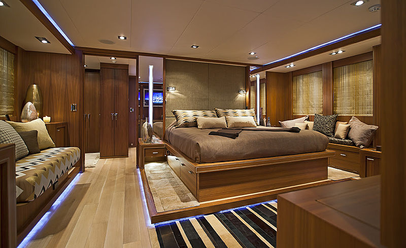 DB9 stateroom