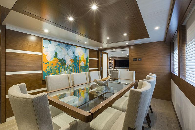 Burger Boat Northland - Interior