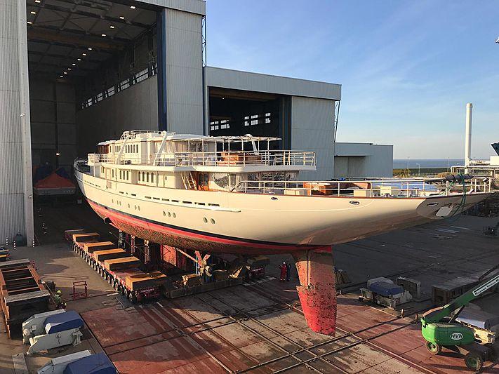 Sailing yacht Athena being refit at Huisfit