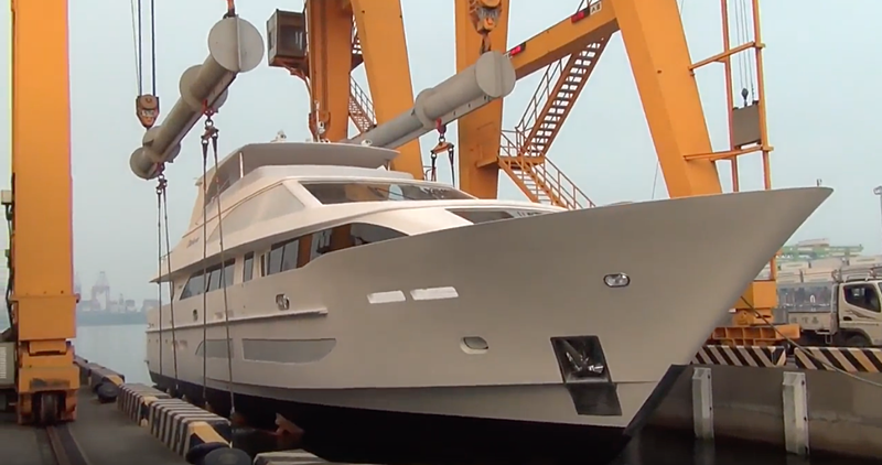 Hargrave 120 Catera yacht launch